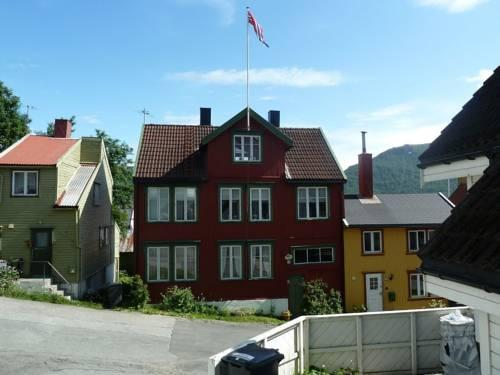 Red Old House Tromso Apartment - dream vacation