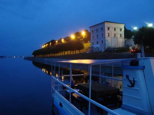 Отель на воде Волжская Жемчужина