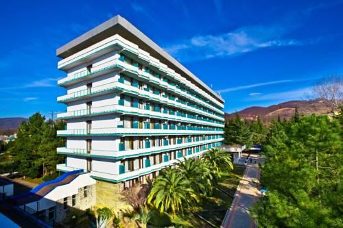 Курортный отель Знание
