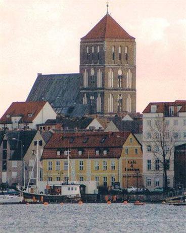 Altes Hafenhaus Rostock - dream vacation