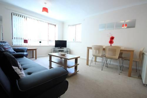 Prime Location Lets - Milton Keynes Serviced Apartments - Campbell Park - dream vacation