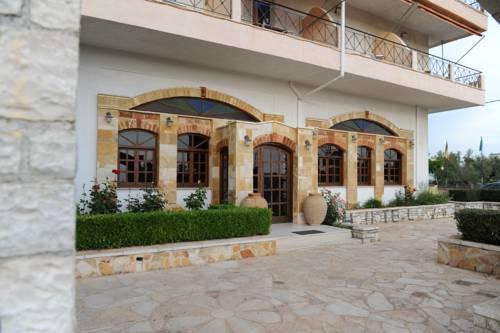 Kaiafas Lake Hotel - dream vacation