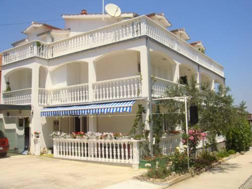 Apartments and Rooms Toni - dream vacation