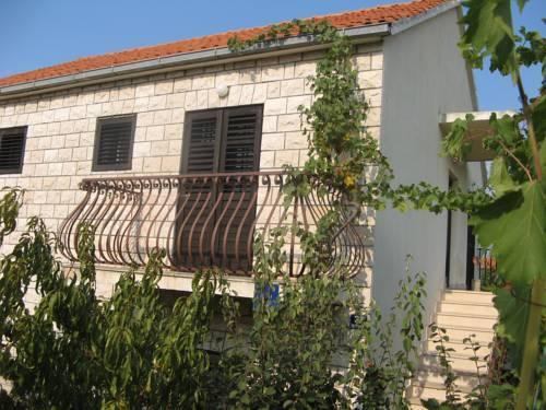 Rooms Adriatica Island Brac - dream vacation