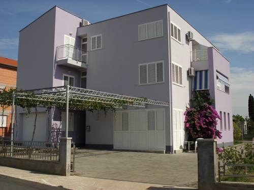Apartmani Leona - dream vacation