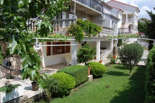 Apartments Lidija Novi Vinodolski - dream vacation
