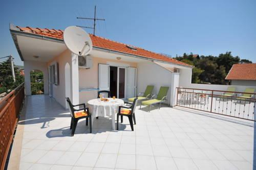 Apartments Miranda Trogir - dream vacation