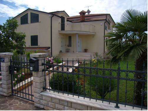 Apartments Sv Pelegrin - dream vacation