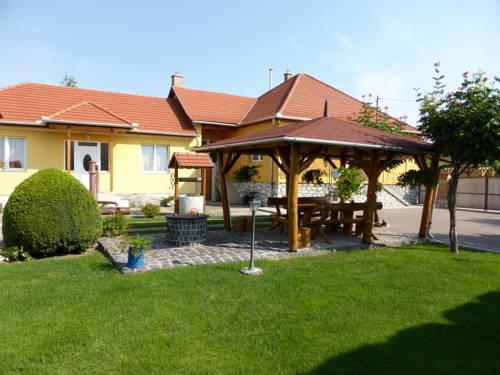 Napfeny Apartman es Vendeghaz - dream vacation