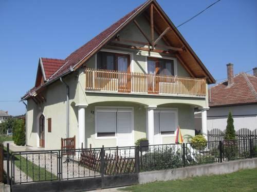 Zoldhaz Apartmanok - dream vacation