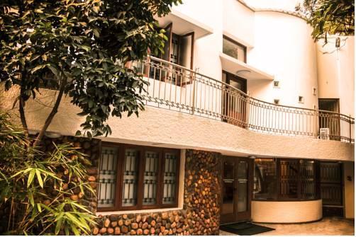Hanu Reddy Residences Poes Garden - dream vacation