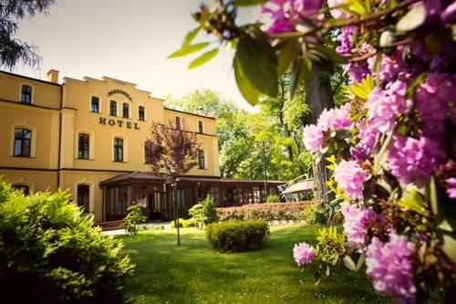 Dabrowka Hotel - dream vacation