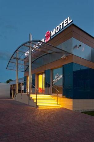 Restauracja 32 Motel - dream vacation