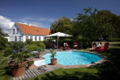 Idala Gard - dream vacation