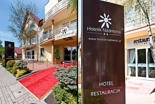 Hotelik Nadmorski w Łebie - wejście główne