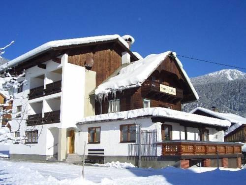 Gastehaus Alpenblick Gosau - dream vacation