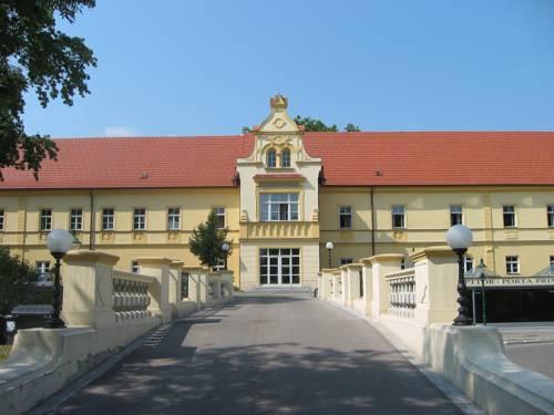 Junges Hotel Tulln Hutte Tulln an der Donau - dream vacation