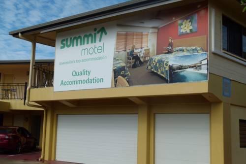 Photo: Summit Motel