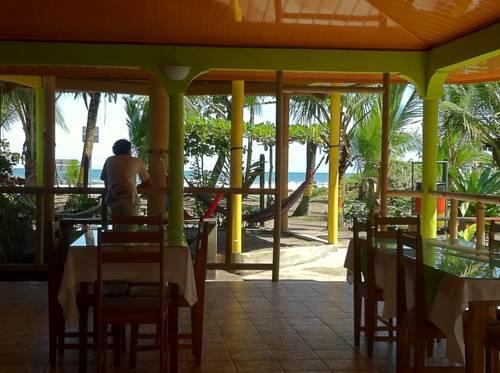 Cabinas Icaco Tortuguero - dream vacation
