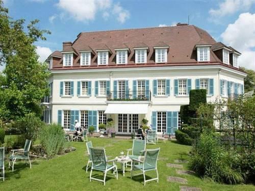 Chateau de Montreuil - dream vacation