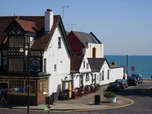 The Ship Inn Sandgate - dream vacation