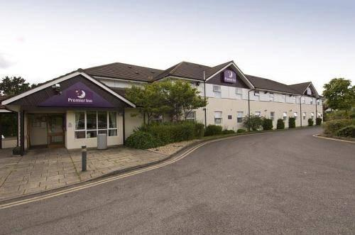 Premier Inn Crossways Caerphilly - dream vacation