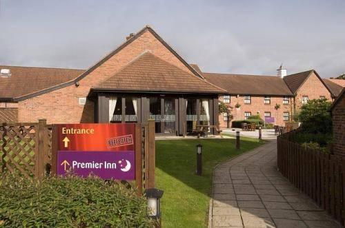 Premier Inn West Crewe - dream vacation