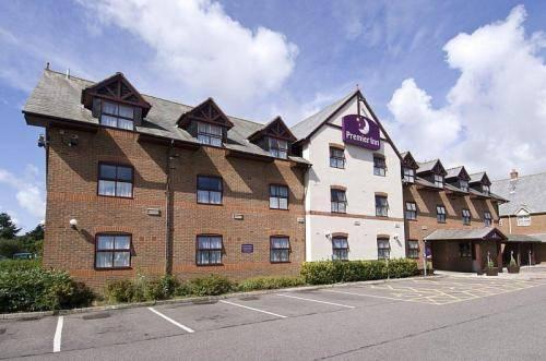Premier Inn Christchurch West - dream vacation