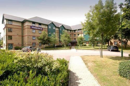 Premier Inn Luton Airport - dream vacation