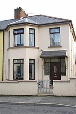 Derry Self Catering Apartments - dream vacation