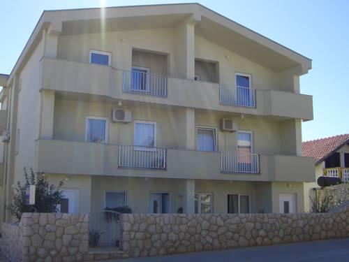 Apartments Ana Vir - dream vacation