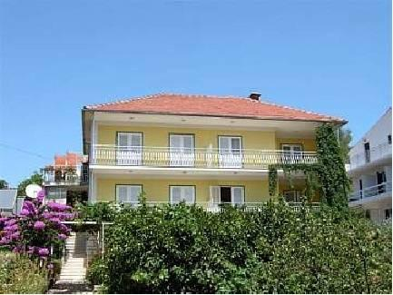Apartments Lucija Stari Grad - dream vacation