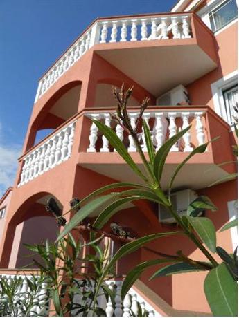 Apartments Lea Malinska - dream vacation