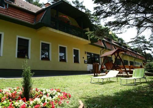 Apat Hotel es Etterem - dream vacation