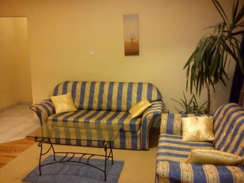 Bekescsaba Apartman Group - Bartok Apartman - dream vacation
