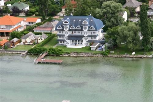 Villa Romantika Balatonboglar - dream vacation