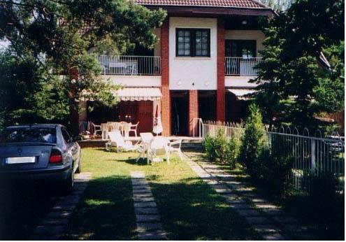 Sunflower Apartmanok - dream vacation