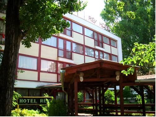 Hostel Rev Balaton Szantod - dream vacation
