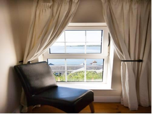 Harleys Guest House Cobh - dream vacation