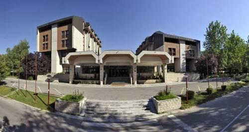 Hotel Grand Cetinje - dream vacation