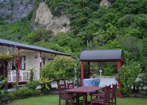 Punakaiki Beachfront Motels - dream vacation