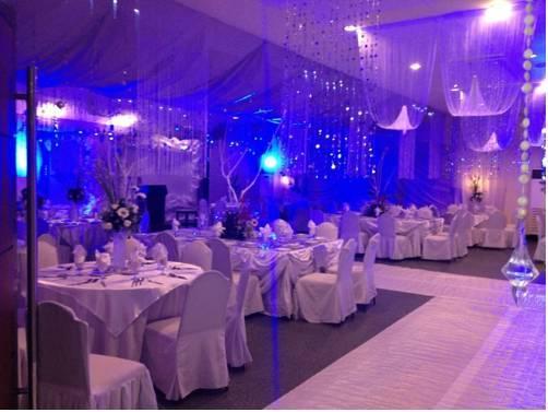 Mo2 Westown Hotel Iloilo City Compare Deals