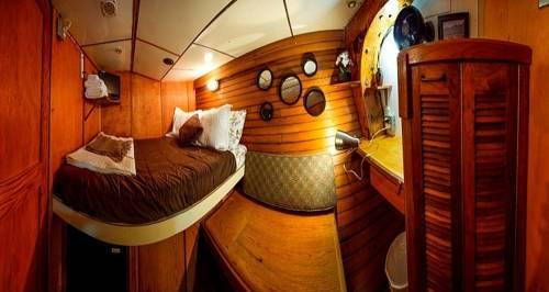 Alaska Pirate\'s Pride Floating Bed and Breakfast - dream vacation