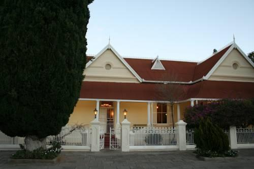 Karoopark Guest House - dream vacation