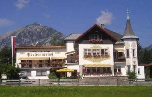 Gasthof Pension Pertisauerhof Pertisau - dream vacation