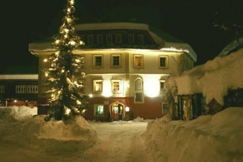 Hotelchen Dollacher Dorfwirtshaus Grosskirchheim - dream vacation