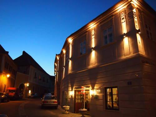 Zechhaus Familie Roisl Guest House Weissenkirchen in der Wachau - dream vacation