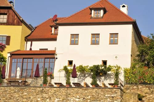 Gastehaus & Heuriger Turm Wachau - dream vacation