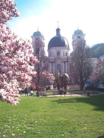Gastehaus im Priesterseminar Salzburg - dream vacation