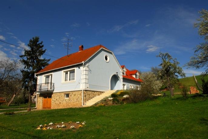 Kondics Apartmanhaz - dream vacation